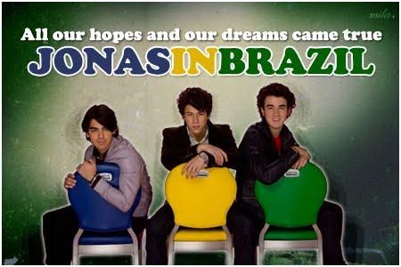199fc41b1 Ainda no Live Chat , Kevin também confirmou que voltariam para o Brasil  ainda este ano, isso mesmo, as fãs dos Jonas já podem ir preparando o  porquinho ...