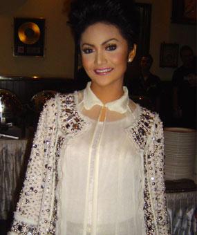 Krisdayanti Kd Sexy Women A Diva Pop Indonesia Hot Artist Foto Video Bugil Facebook Second