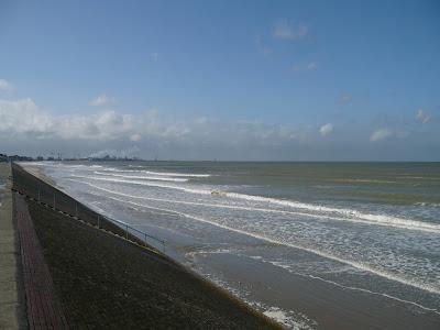 Dunkerque plage a marée haute par pierre-yves gires