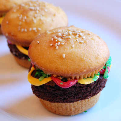 Chef Mommy Hamburger Cupcakes