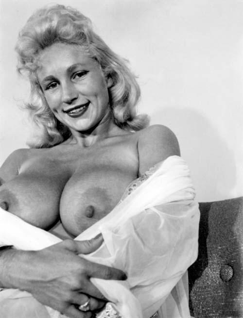 naureen zain nude pictures