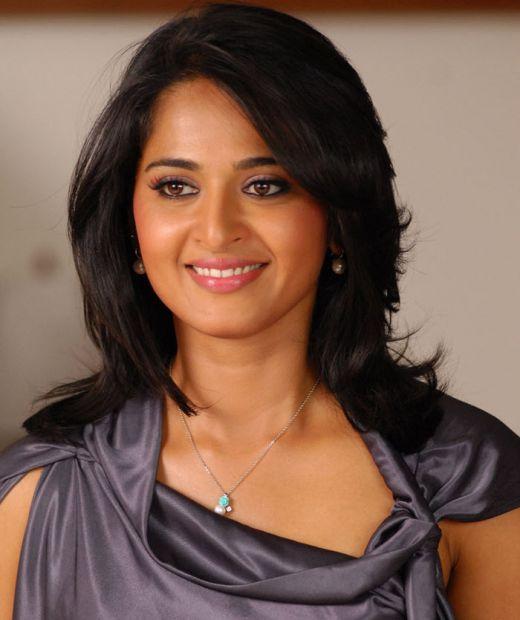 Dusky Anushka Shetty Face Close Up Stills