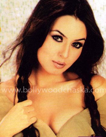 Kuch dard mahima chaudhary hot song - 3 2