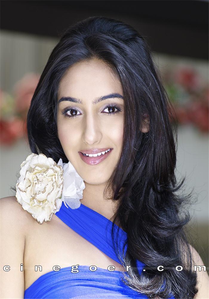 Beautiful Indian Girl Hd Wallpapers 1080p Sexy Babe Ragini Dwivedi Hottest Pics 15 Pics