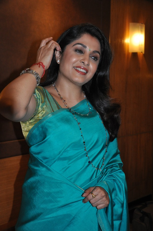 ramya krishnan latest hot photos