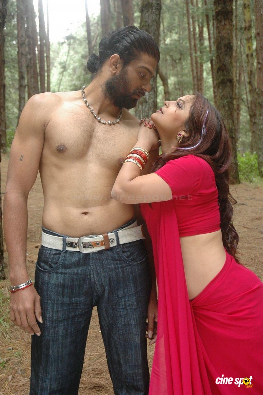Telugu Cinema News: Tamil Masala Movie Thiruttu Sirukki