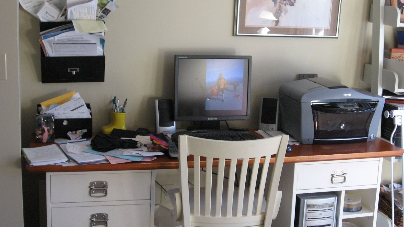 Before and After: Organizing a Home Office