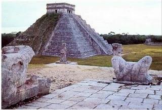 Ancientamericamayaselcastillo Constructiile Mayase - Piramida Kukulcan Si Chichen Itza