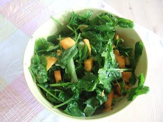 må ha mat!: Spinatsalat med mango til bugnende reker