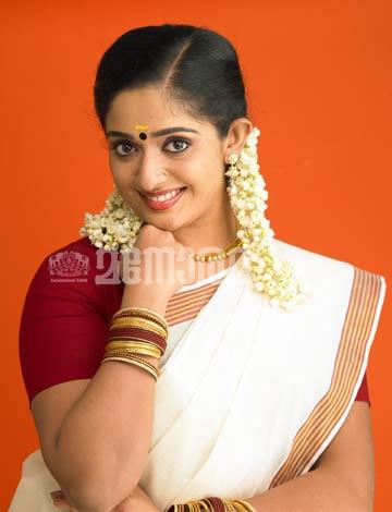 Kavya Madhavan Saree