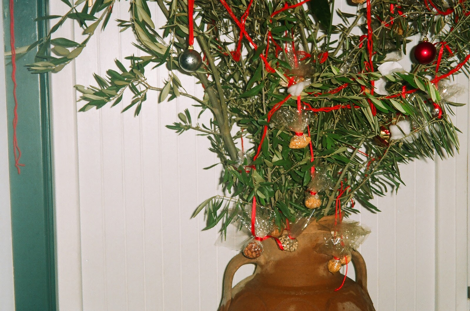 diaforetiko.gr :  Αυτό ήταν το χριστουγεννιάτικο δέντρο της αρχαίας Ελλάδας!