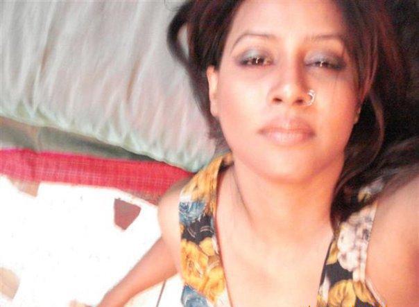 Bangladesh Hero Alom Elora-Gahar Sexy Bangla Natok -5435