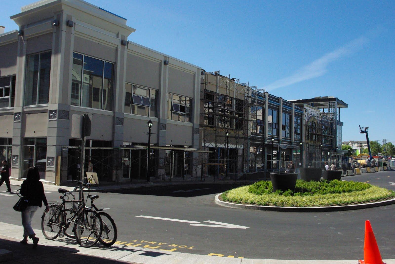 Victoria Bc Uptown Shopping Center