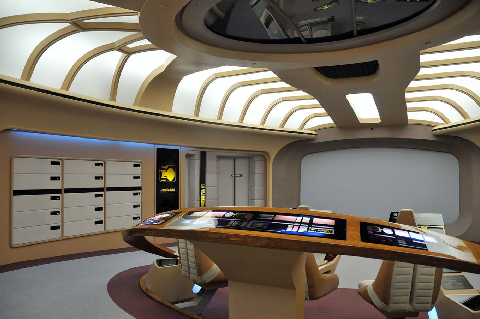 House Of Bryan Floor Plan Star Trek Prop Costume Amp Auction Authority The Star Trek