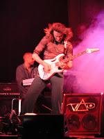 http://www.guitarcoast.com/2008/01/steve-vai-profile.html