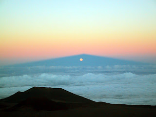full moon rising at Mauna Kea