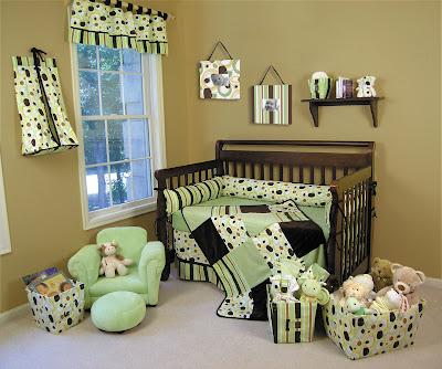 Lambs Raspberry Swirl Mini Crib Dora Toddler Bed