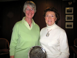 Mary Irving (Runner Up) with Maureen Rennie (Douglas Park)  Winner of the Bronze Championship