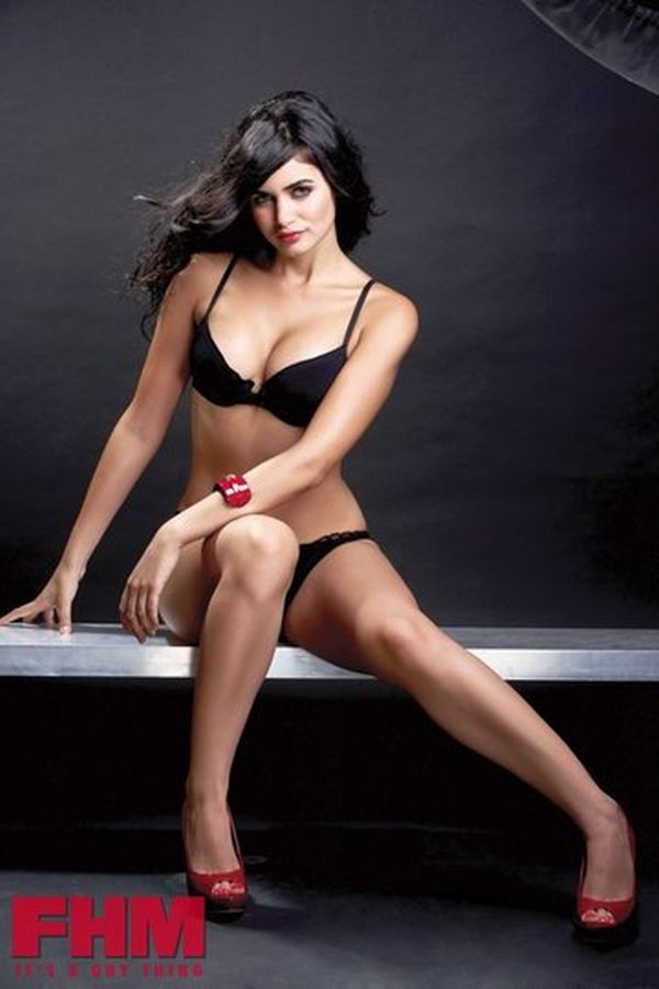 Gabriella Demetriades Bikini Photos - Saree Sexy Pictures