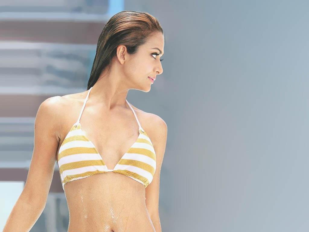Amrita arora in bikini