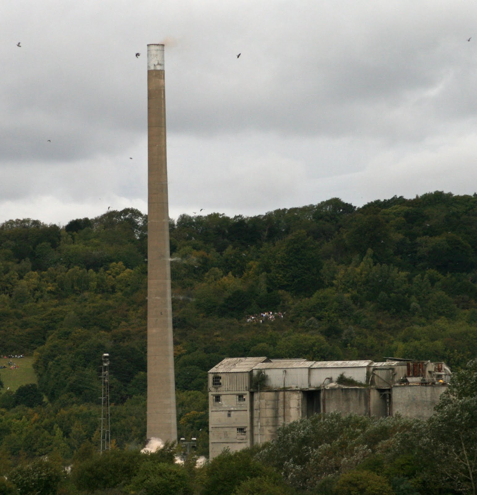 Kent Today & Yesterday: Demolition Of Rugby / Cemex Cement