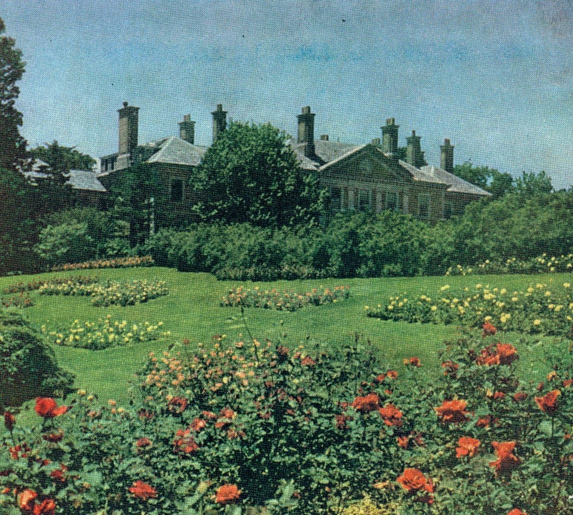 Long Island: Mansions Of The Gilded Age: The Mansions And Society Of