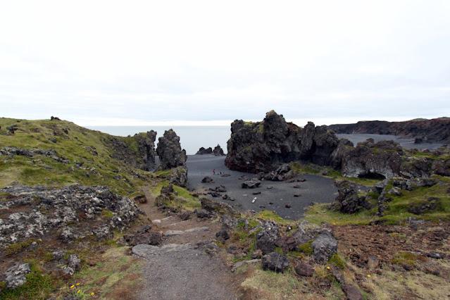 Spiaggia di sabbia nera di Djùpalonssandur