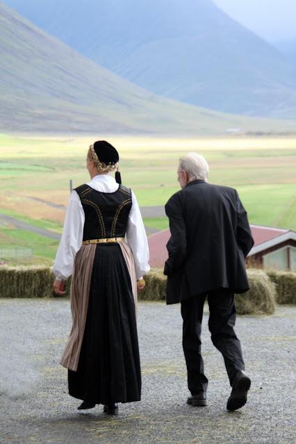 Hòlar-Abiti tipici islandesi