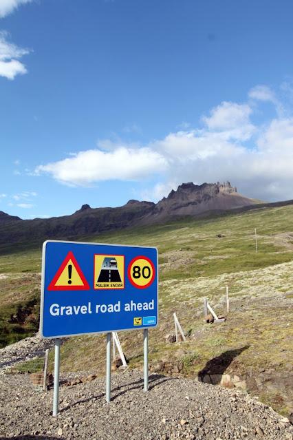 Stodvarfjordur-Cartello strada sterrata