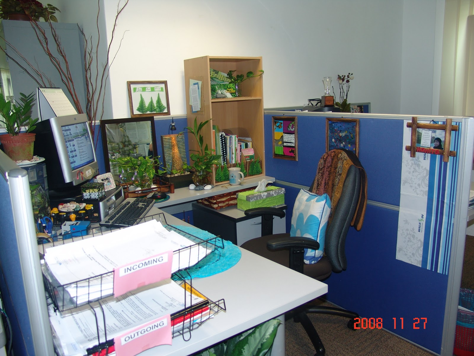 Zara Hanie Dekor Di Pejabat Dekorasi Meja Ofis