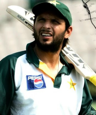 Once Afridi comes in the Test playing XI, Malik will struggle to find a place