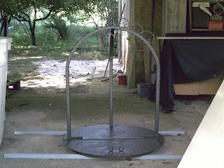Copri pozzo in ferro for Pozzo da giardino decorativo