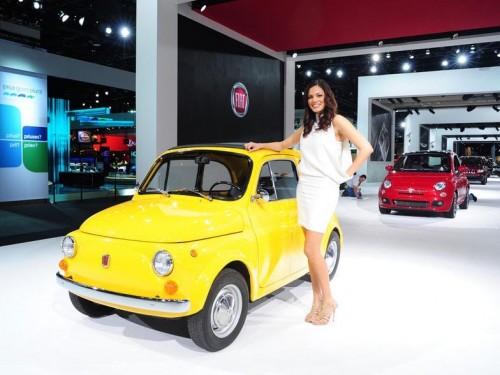 Detroit Auto Show 2011 Hot Girls Auto Car Online