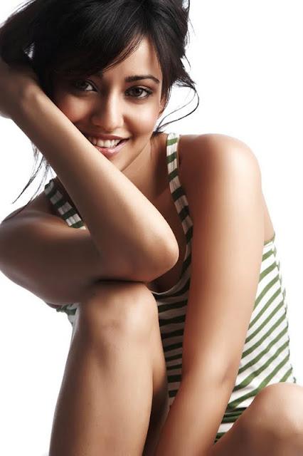 Selfie Cleavage Priyanka Bassi  naked (87 photo), Twitter, see through