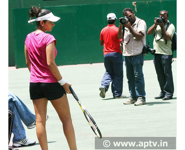 Super Players Indias Woman Tennis Star Player Sexy Sania -5155