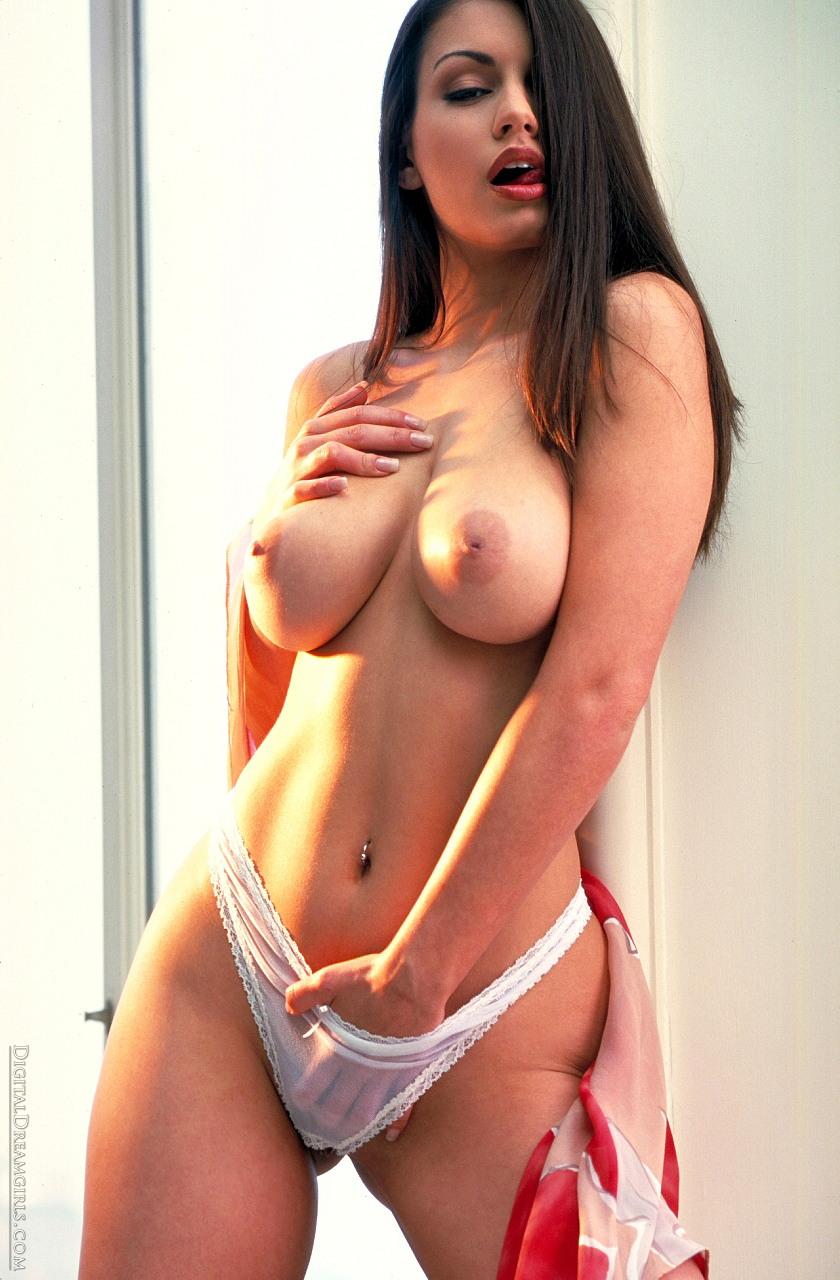 Juliana Moreira Nude 78