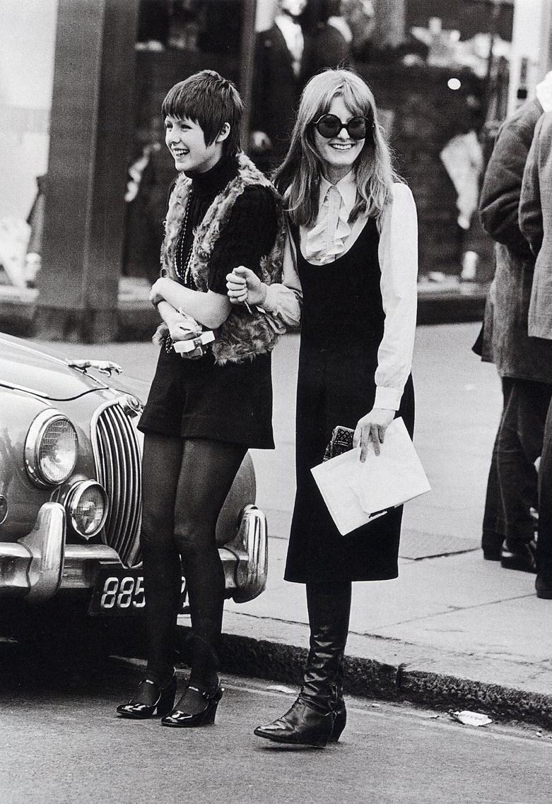 "Swinging Sixties: MAN EATERS: ""Young London, Permissive Paradise"",- Frank"