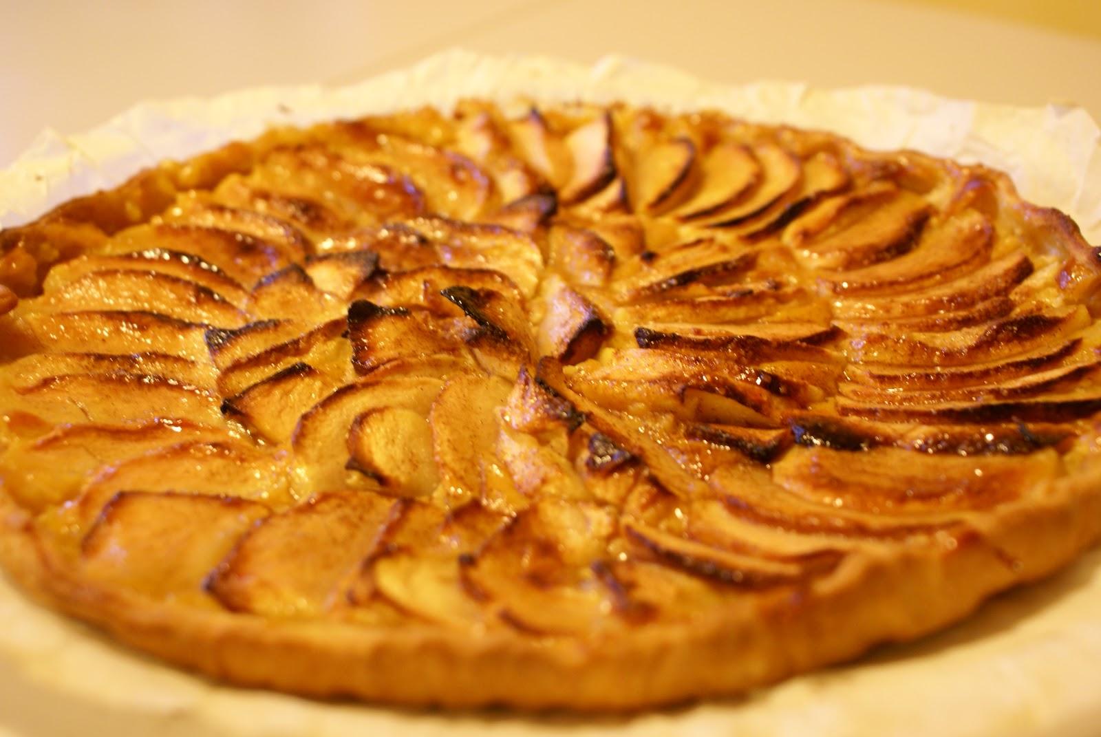 les recettes du sylvabar tarte aux pommes cr me p tissi re rapide. Black Bedroom Furniture Sets. Home Design Ideas