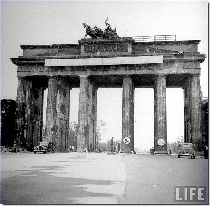 Battle of Berlin - Wikipedia  |Brandenburg Gate Ww2