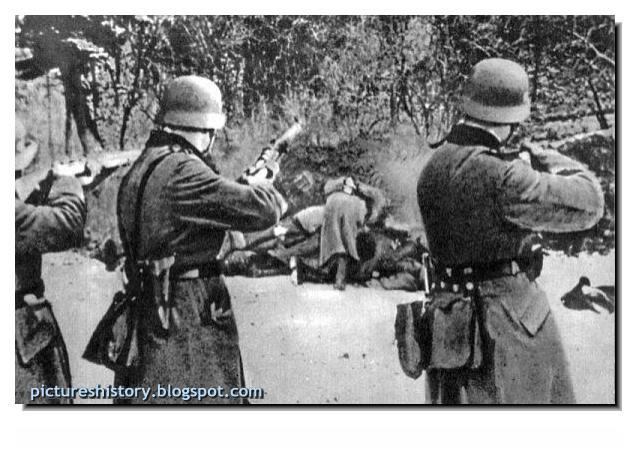 Brutal German soldiers killing Polish civilians ww2