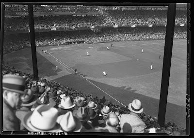 da6180c4f (Wikipedia) The 1933 World Series featured the New York Giants and the  Washington Senators