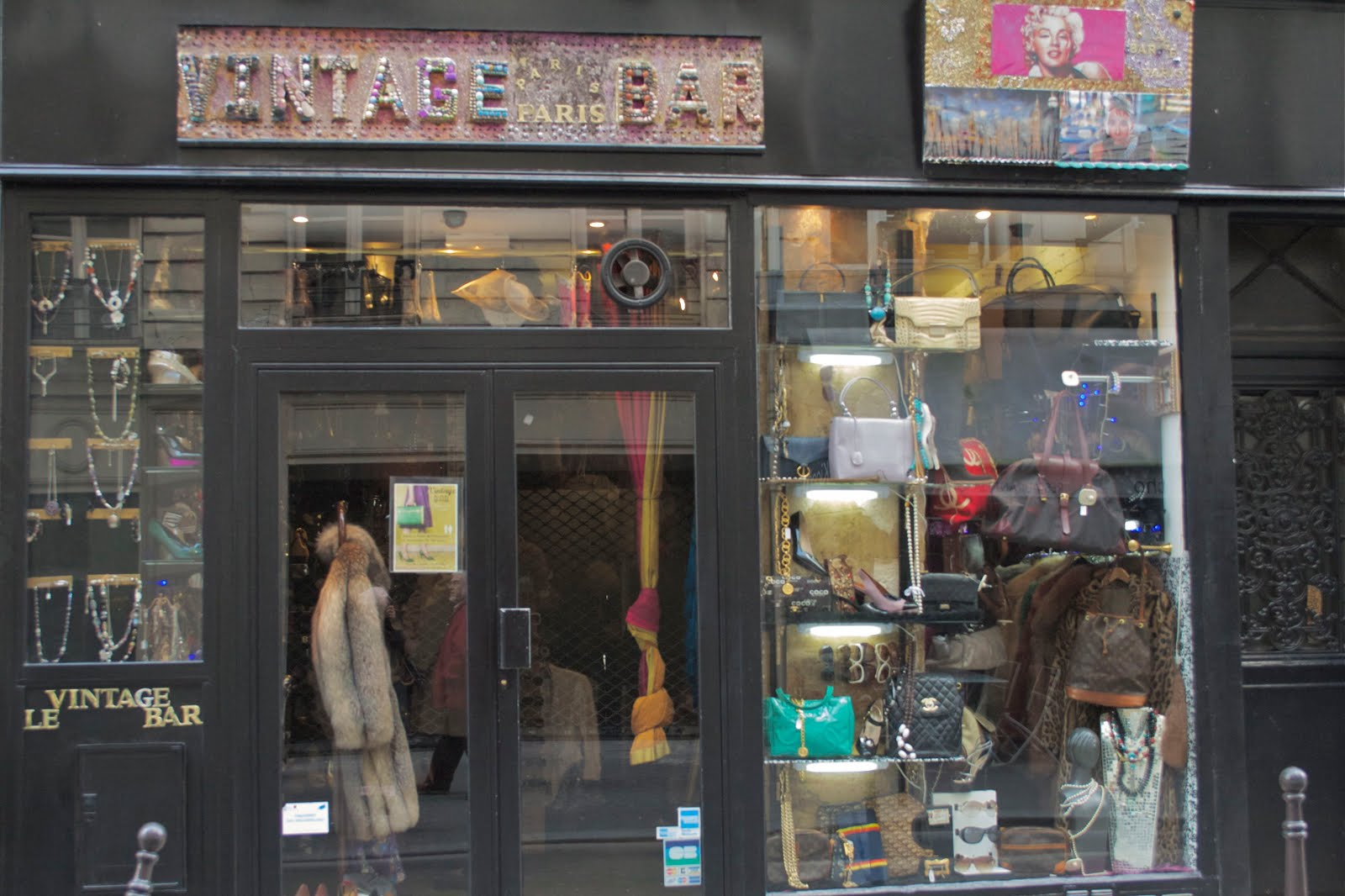 Tiendas vintage en París-75-crimenesdelamoda