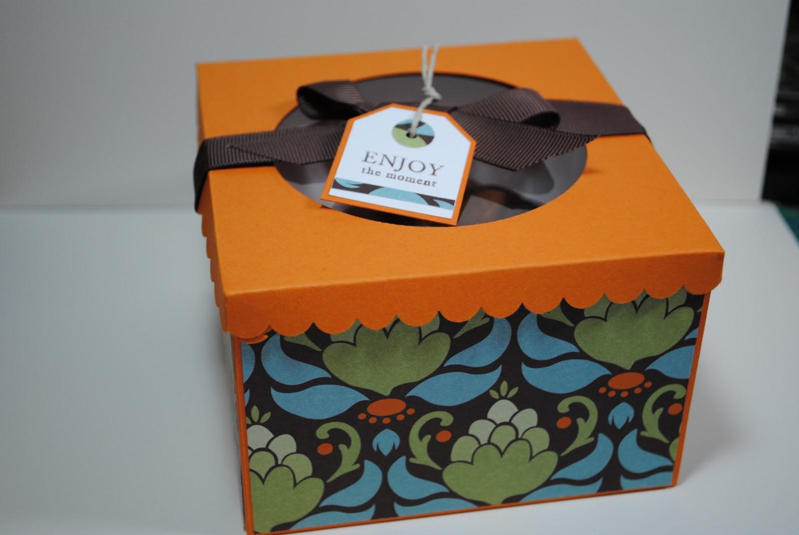 Laura Smith Designs Mini Bundt Cake Box