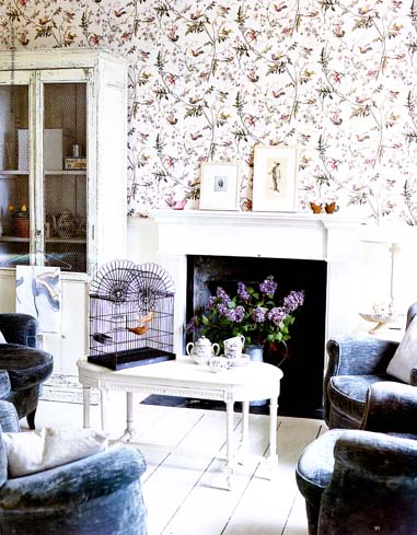 ze interior designs wallpaper cole and son 39 hummingbirds 39. Black Bedroom Furniture Sets. Home Design Ideas