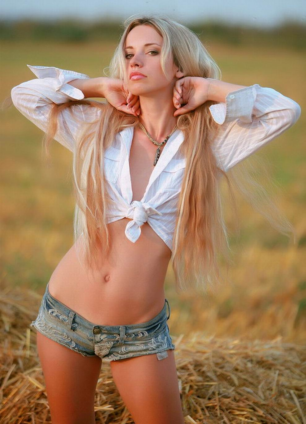 Hot Skinny Body Nasty Blonde Babe