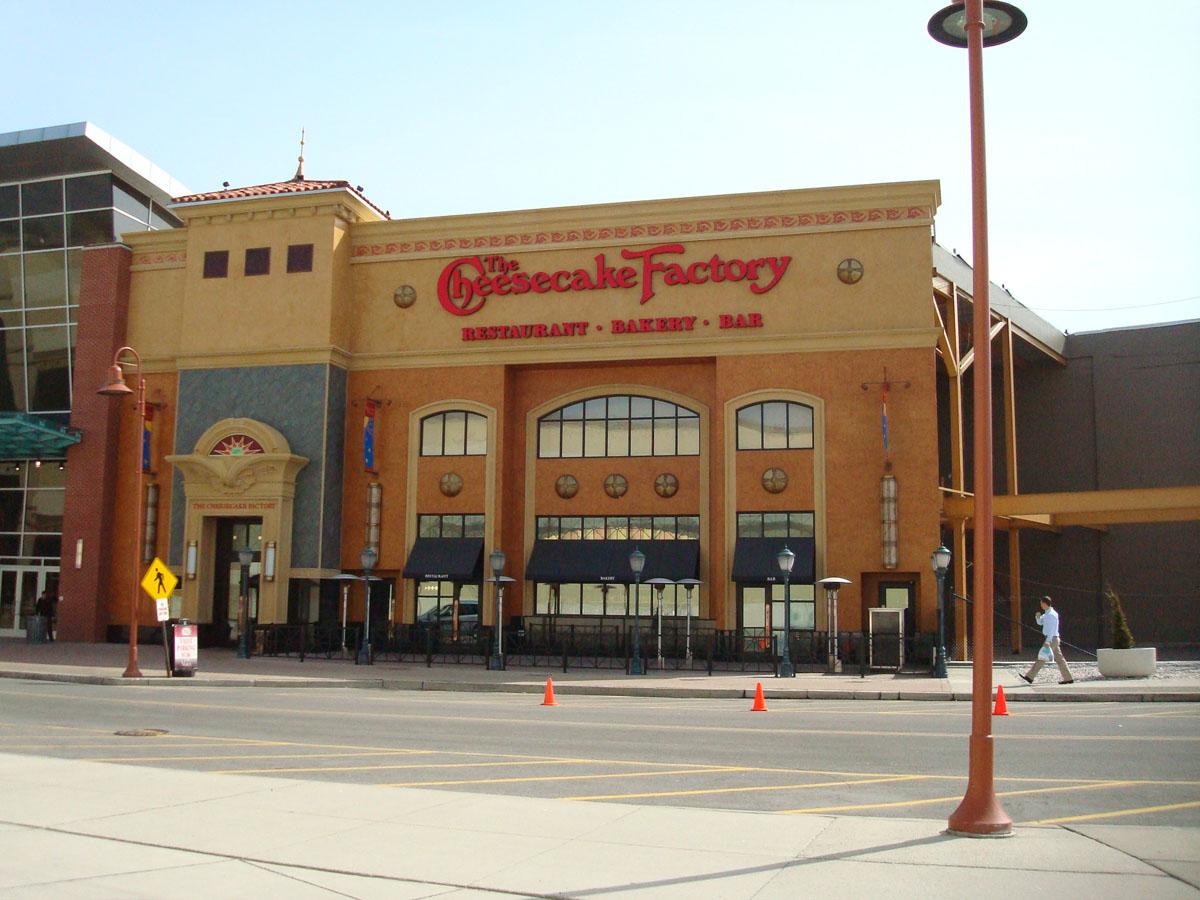 BM's Favorites: The Cheesecake Factory @ Buffalo