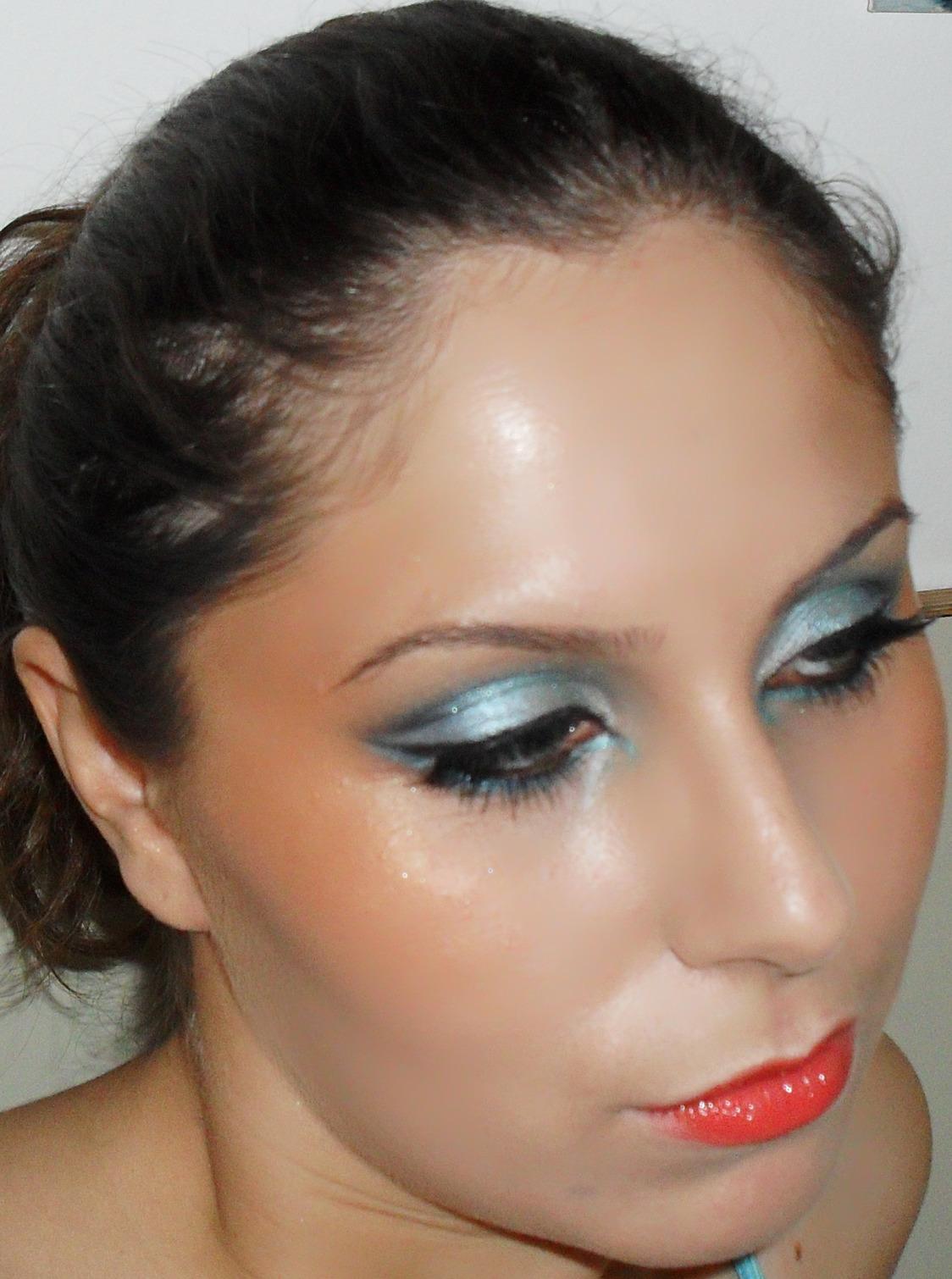Alice In A New Wonderland: Creative Makeup (impromptu