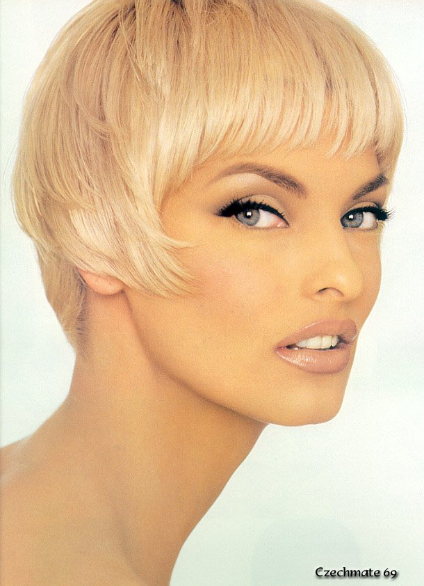 Linda Evangelista Covers The 35th Anniversary Issue Of: Linda Evangelista E Outras Anos 90 On Pinterest