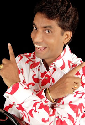 Solo photo of Stand up comedian Dipoo Srivastav from Mumbai (India)