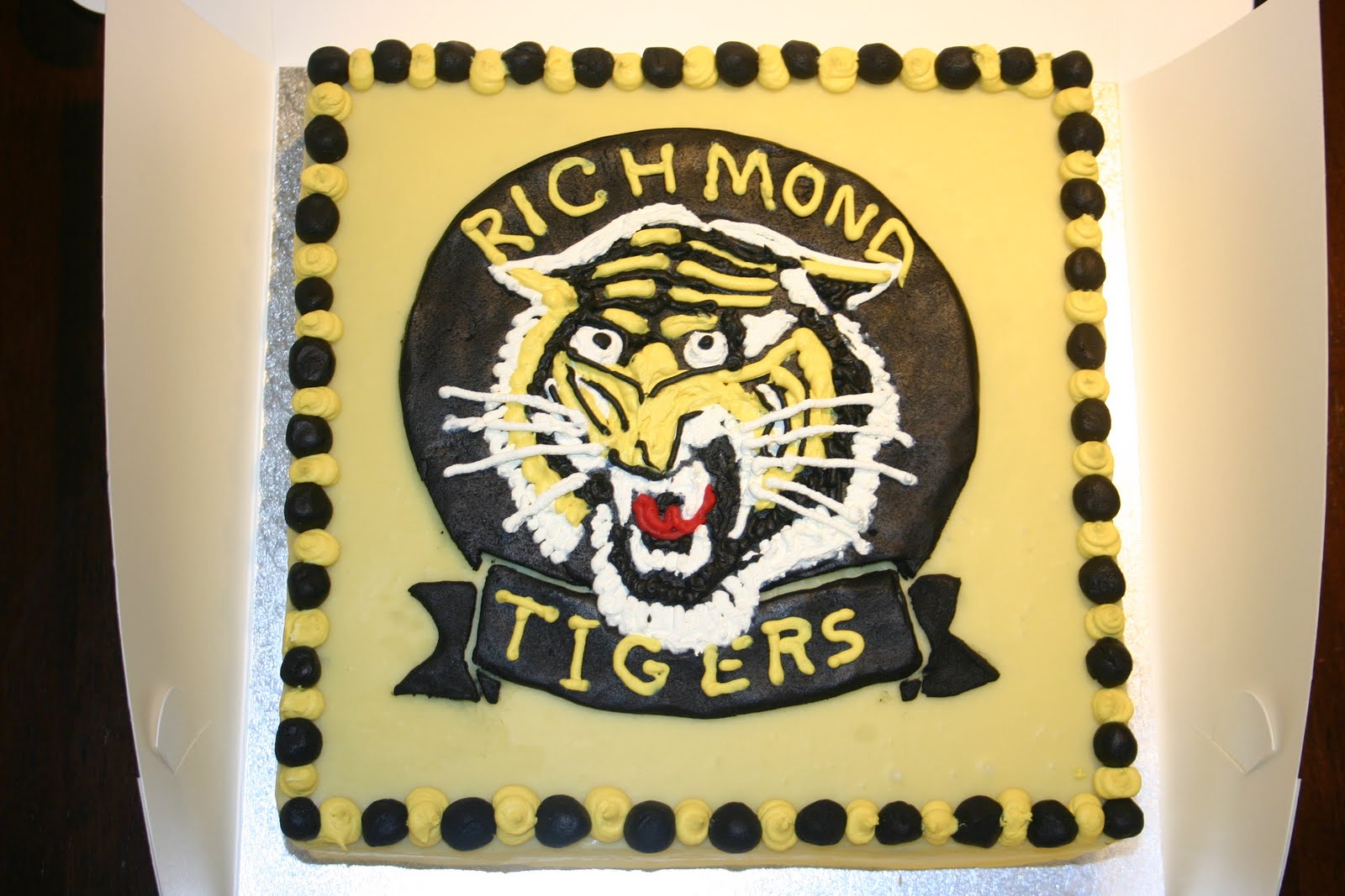 Richmond Tigers Cake